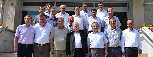 Borsam�z Y�netim Kurulu Ba�kan� Osman Sar�, G�da Tar�m Ve Hayvanc�l�k Bakanl���, Bitkisel �retim Genel M�d�r� �le Sekt�r Temsilcilerinin Yapt��� Toplant�ya Kat�ld�.