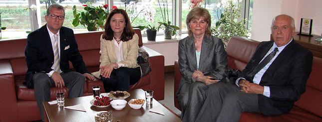 Romanya �stanbul Ba�konsolosu Adriana C�AMBA, Borsam�z Ba�kanlar�na Nezaket Ziyaretinde Bulundu.