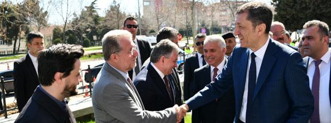 Milli Eğitim Bakanı Sayın Ziya Selçuk'un Tekirdağ'daki Toplantı Ziyaretine Borsamız Başkanları İştirak Etti.